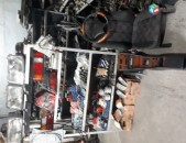 Merceders benz c class w124 kuzov zapchastner