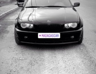 BMW -   330 , 2001թ.