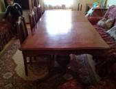 Փայտից սեղան