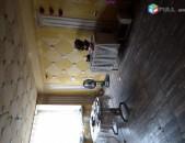 Վաճառվում է 4 սենյականոց բնակարան Էրեբունիում Առանց միջնորդի
