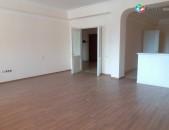 Կոդ 42315: 3 սենյակ, Ամիրյան փողոց, 150քմ, 14 / 7հարկ, նորակառույց շենք