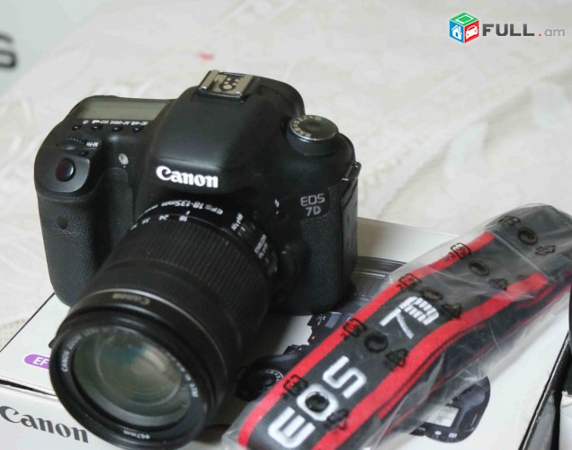 Canon EOS 7D+Canon EF-S 18-55mm f / 3.5-5.6 IS ii Lens.