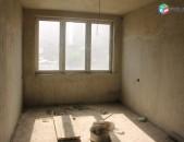 3 սենյակ, բնակարան կենտրոնում, 0-ական վիճակ, կոդ C1154
