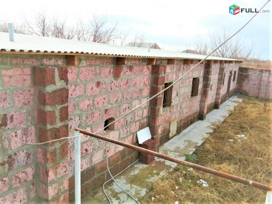 Հողատարածք բնակելի շինությունների համար Հայանիստում, 8000 ք.մ.  Կոդ C1230