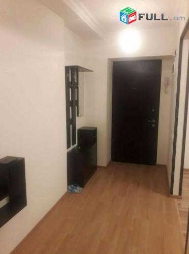Բնակարան Ամիրյան փողոցում, 2 սենյակը ձևափոխված 3-ի, 74մք, Կենտրոն, 4րդ հարկ