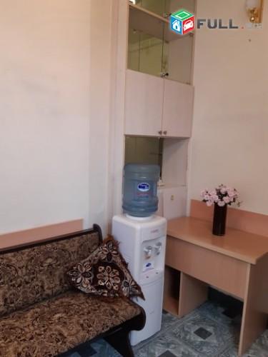 Օրավարձով է տրվում 2 սենյականոց բնակարան Մաշտոց  պողոտայում