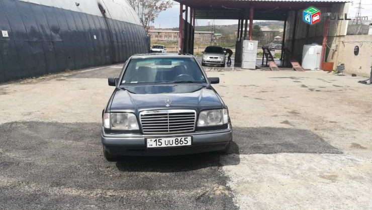 Mercedes-Benz -     E 220 , 1995թ.