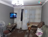 Վաճառվում է 2 դարձրած 3 սենյականոց բնակարան զեյթուն ռայնիսի փող: