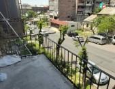 վաճարվում է 3 սենյականոց բնակարան բաղրամյան ավետիսյան խաչմերուկ քարե շենք: