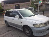 Mitsubishi Chariot , 2000թ.
