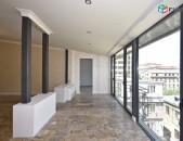 4 սենյականոց բնակարան Չարենց փողոցում