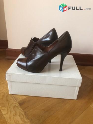 Վաճառվում է կոշիկ Maxstudio  մեկ անգամ հագած