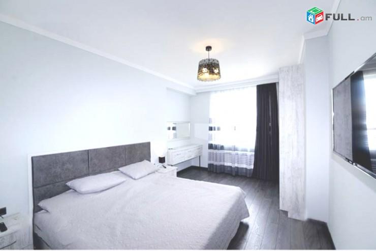 Կոդ 12442 Վաճառվում է 3 սենյականոց բնակարան Զեյթունում:
