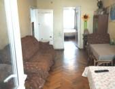 Կոդ 12443 Շտապ վաճառվում է 2 սենյականոց բնակարան 3-րդ մասում, Բագրատունյանց փողոցում,