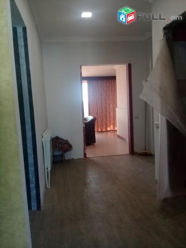 Շտապ դուպլեքս  4-5-րդ հարկերը միասին , 7 սենյականոց բնակարան /Ստալինկա /Փոքր Կենտրոնում/210 m2/