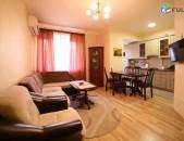 Լիովին վերանորոգված 3 սենյականոց բնակարան, Տպագրիչների փողոցում, փոքր կենտրոնում