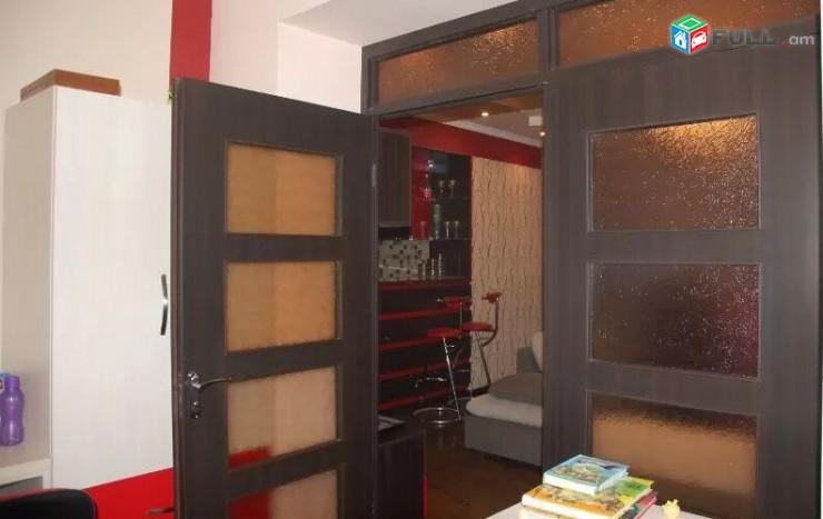 Բաղրամյան-Վ. Համբարձումյան խաչմերուկ, 3 սենյակ / Baxramyan-V. Hambarzumyan
