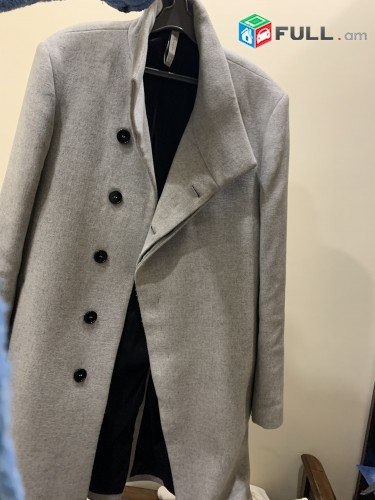 ZARA firmayi palto