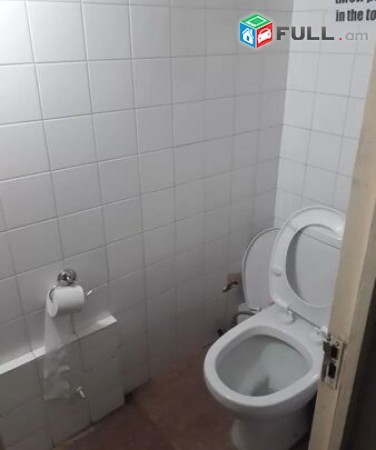Վարձով տարածք Կիևյան փողոցում (հարմար է հոսթելի համար) for rent Բ0122