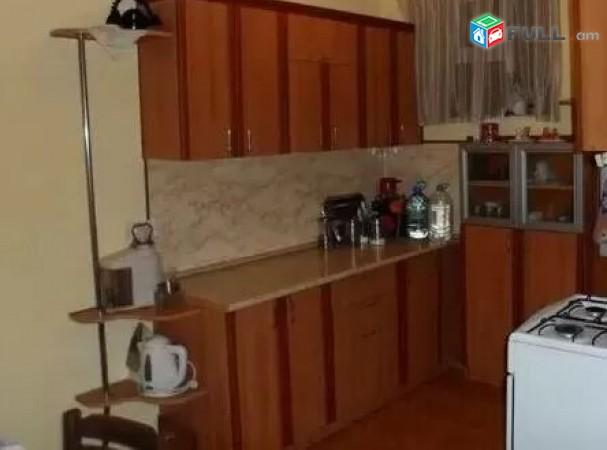 Բնակարան Ա. Մանուկյան փողոցում 100 ք. մ. մակերեսով, ԻԴ 102313
