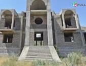 Erahark arandznatun monumenti elitar taxamasum 6800qm hoxi vra
