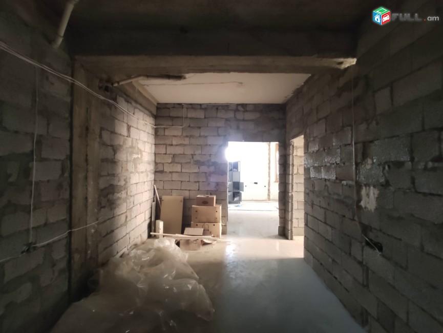 3 սենյականոց բնակարան նորակառույց շենքում Դավիթ Մալյան փողոցում, 104 ք.մ., բարձր առաստաղներ
