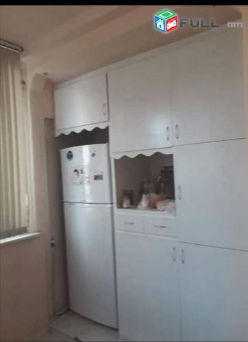 Շտապ վաճառվում է 3 սենյականոց բնակարան Շինարարներ