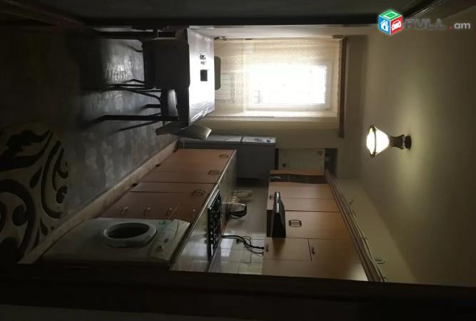Посуточная аренда четырехкомнатной квартиры в центре города