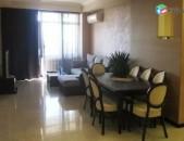 AL2558 Վարձով է տրվում 3 սենյականոց բնակարան Վարդանանց փողոց, Կինոյի տան մոտ
