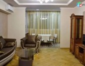Վարձով 3 սենյականոց բնակարան Ամիրյան փողոցում