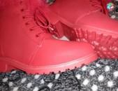 Ботинки красные оригиналные