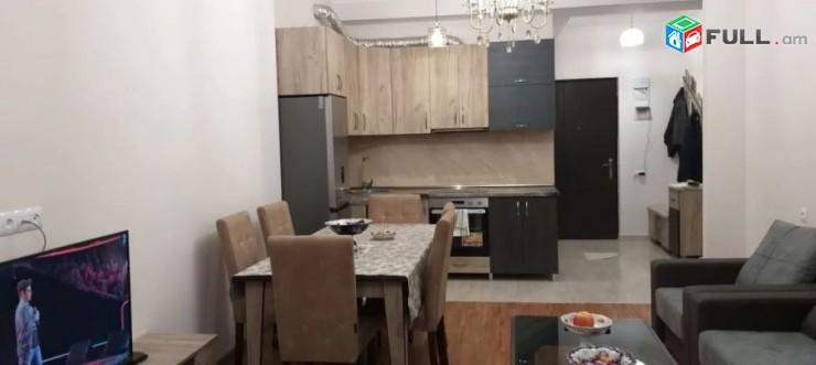 Վարձով 2 սենյականոց բնակարան Երազ բնակելի թաղամասում, նորակառույց շենքում