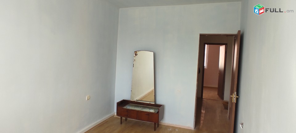 Վաճառվում է, 3 սենյականոց բնակարան Գյումրի Մուշ 2/2 թաղամաս