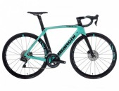 2020 Bianchi Oltre XR4 Ultegra Di2 Disc Road Bike (IndoRacycles.com)