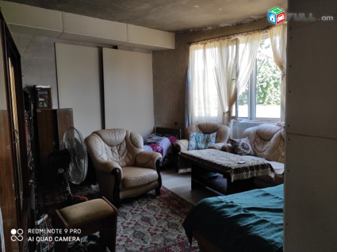 Շտապ!!! առանց միջնորդի շուկայական գներից ցածր վաճառվում է բնակարարան
