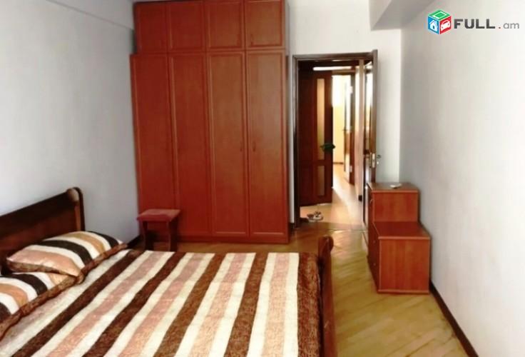 Վարձով 3 սենյականոց բնակարան Եզնիկ Կողբացու փողոցում, 97քմ