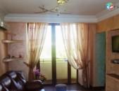 Օրավարձով 1 (ձևափոխած 2-ի) սենյականոց բնակարան Մաշտոցի պողոտայում, 44քմ