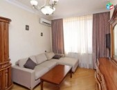 Օրավարձով 3 սենյականոց բնակարան Սայաթ-Նովայի պողոտայում, 95քմ