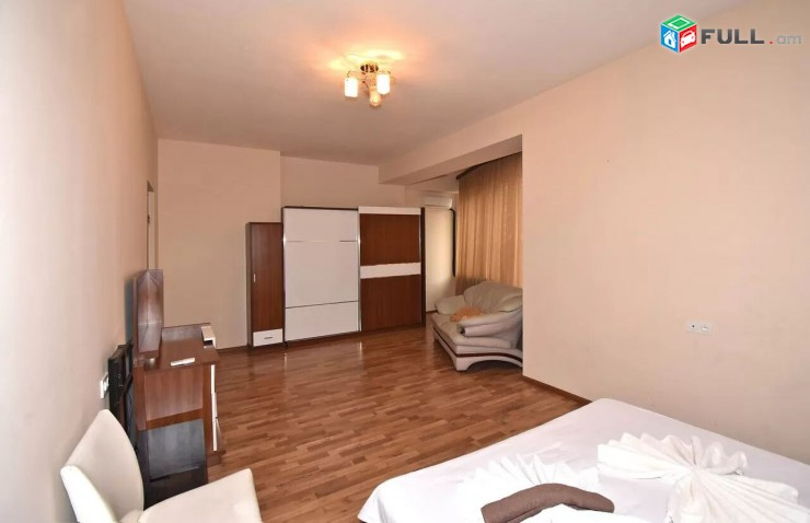Վարձով 3 սենյականոց բնակարան Տերյանի փողոցում, 130մք