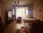 BH 2004  Պարոնյան փողոց, Երկու սենյականոց բնակարանը ձևափոխված է երեք սենյակի