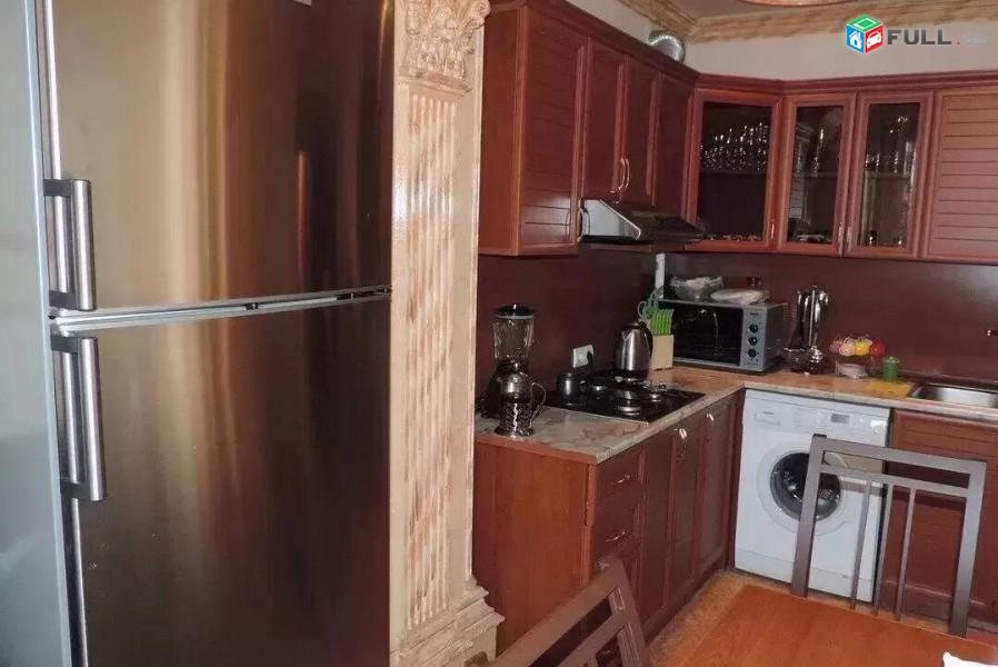 2 սենյականոց բնակարան Գրիբոյեդով փողոցում, 52 ք.մ., նախավերջին հարկ, կապիտալ վերանորոգված, քարե շենք