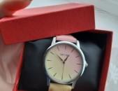 Ուրախ գույներով ձեռքի ժամացույց