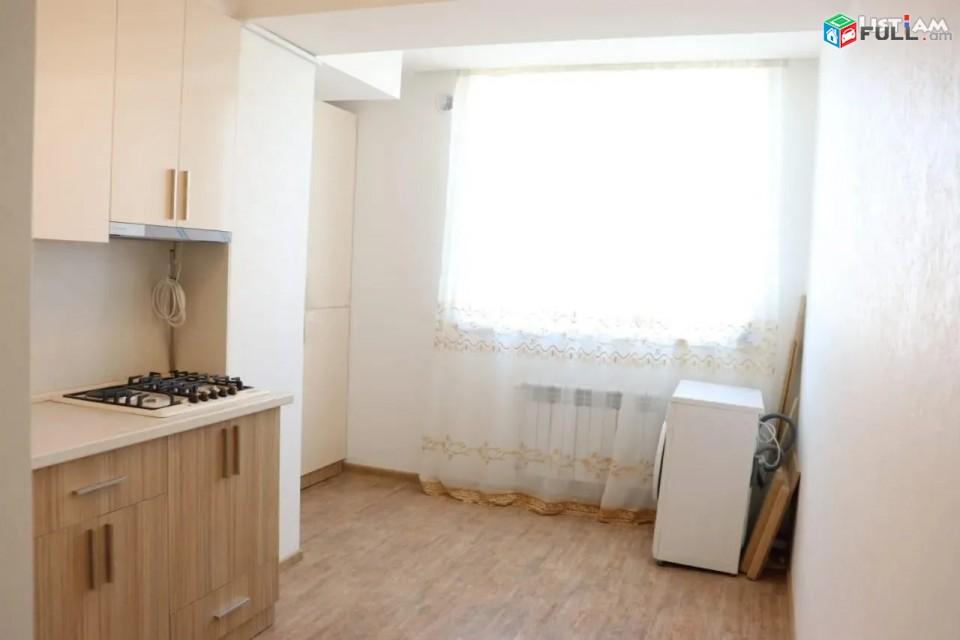 Կոդ 84429  Մաշտոցի պողոտա Օպերայի մոտ 3 սենյականոց բն․ 2 սանհանգույց