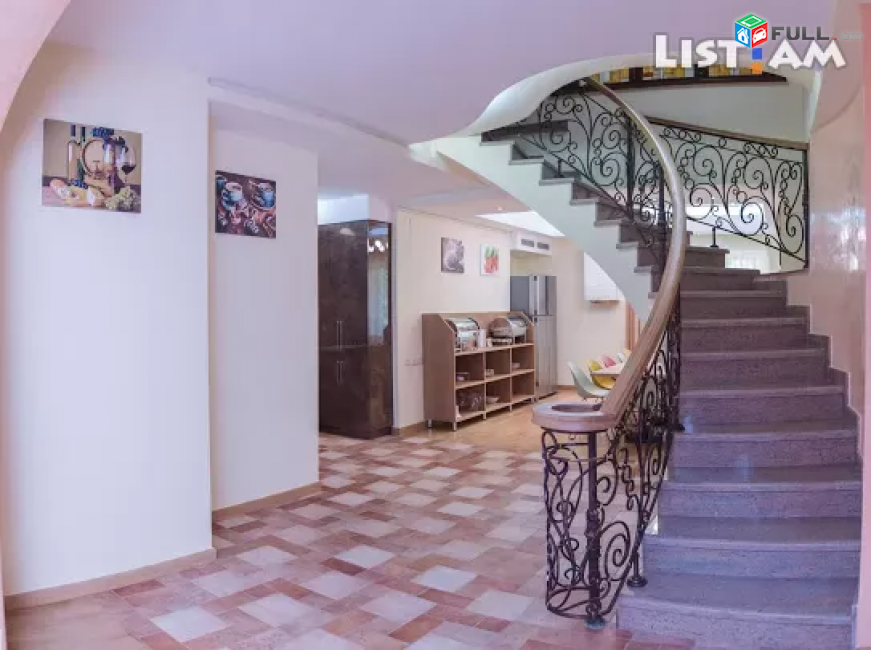 Կոդ 85190  Սայաթ նովա փողոց 8 սենյականոց դուպլեքս բնակարան Sayat Nova st
