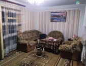 1-3 սենյականոց բնակարան Վահրամ Փափազյան փողոցում, 48 ք.մ., կոսմետիկ վերանորոգում, քարե շենք kod-N205