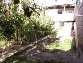 Երկու հարկանի քարե տուն Փարաքարում ID3116
