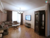 Կոդ 30073 Վարձով է տրվում 3 սենյականոց բնակարան Մաշտոցի պողոտա