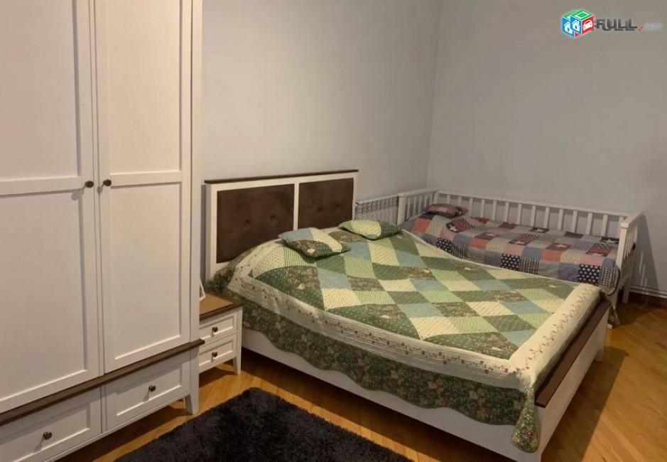 Կոդ N1-0015 Վարձով է տրվում 3 սենյականոց բնակարան Աբովյան փողոցում