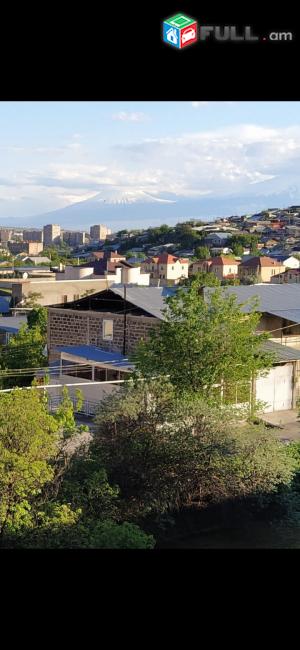 Վաճառվում է 3 հարկանի սեփական տուն Երևանի կենտրոնական