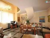 Կոդ 52279  Երկու հարկանի քարե տուն Սայաթ-Նովայի պողոտայում կենտրոնում, 160 ք.մ., 2 սանհանգույց
